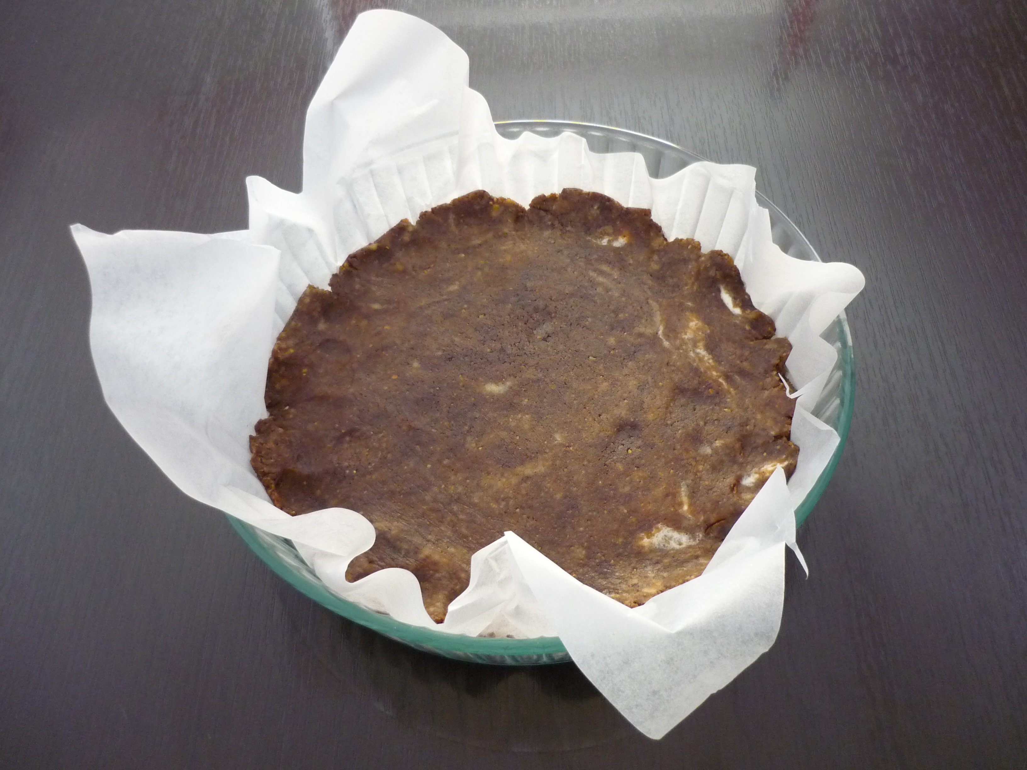 coprire con la pasta il fondo della tortiera
