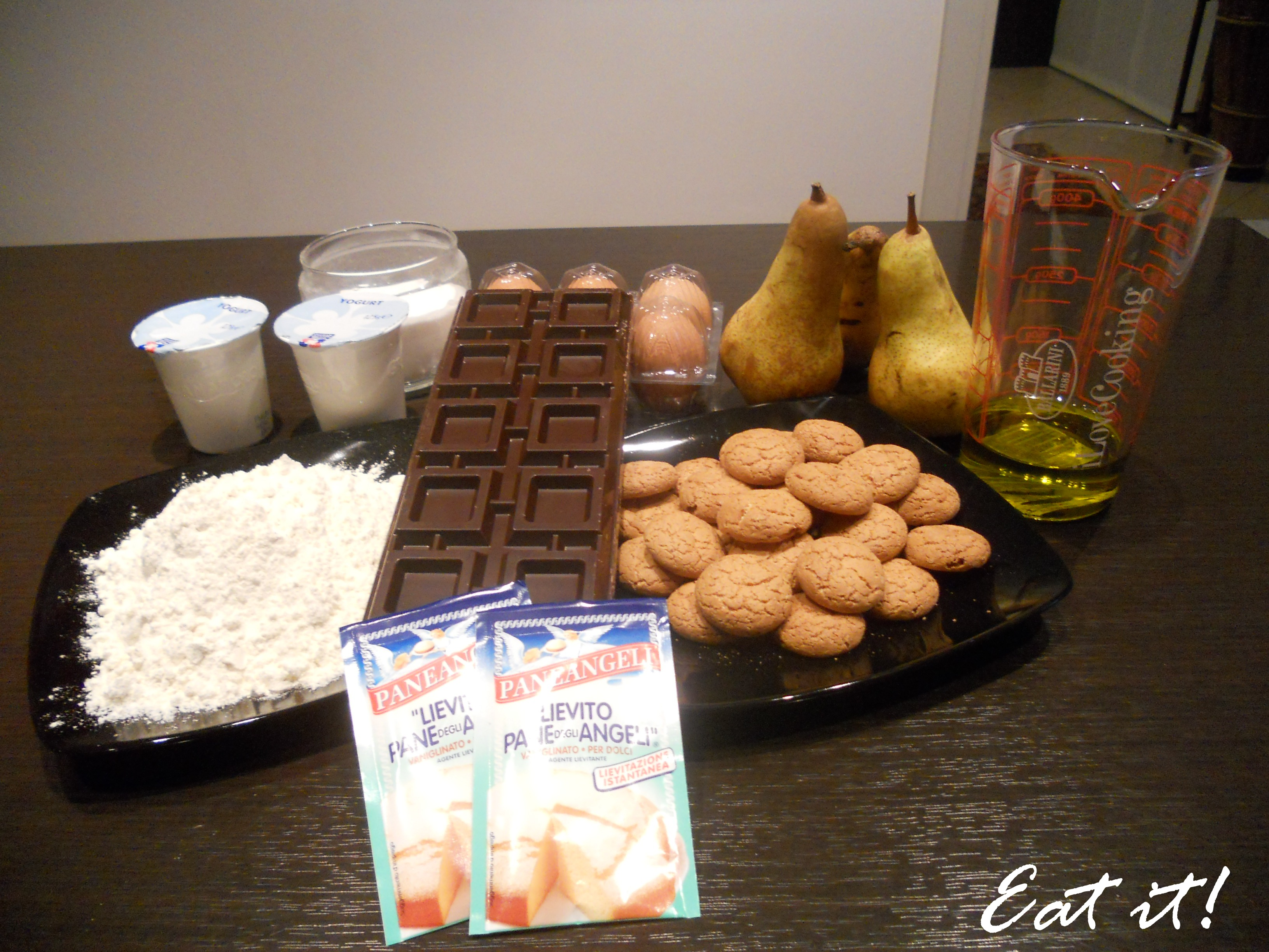Torta pere, cioccolato e amaretti - Ingredienti