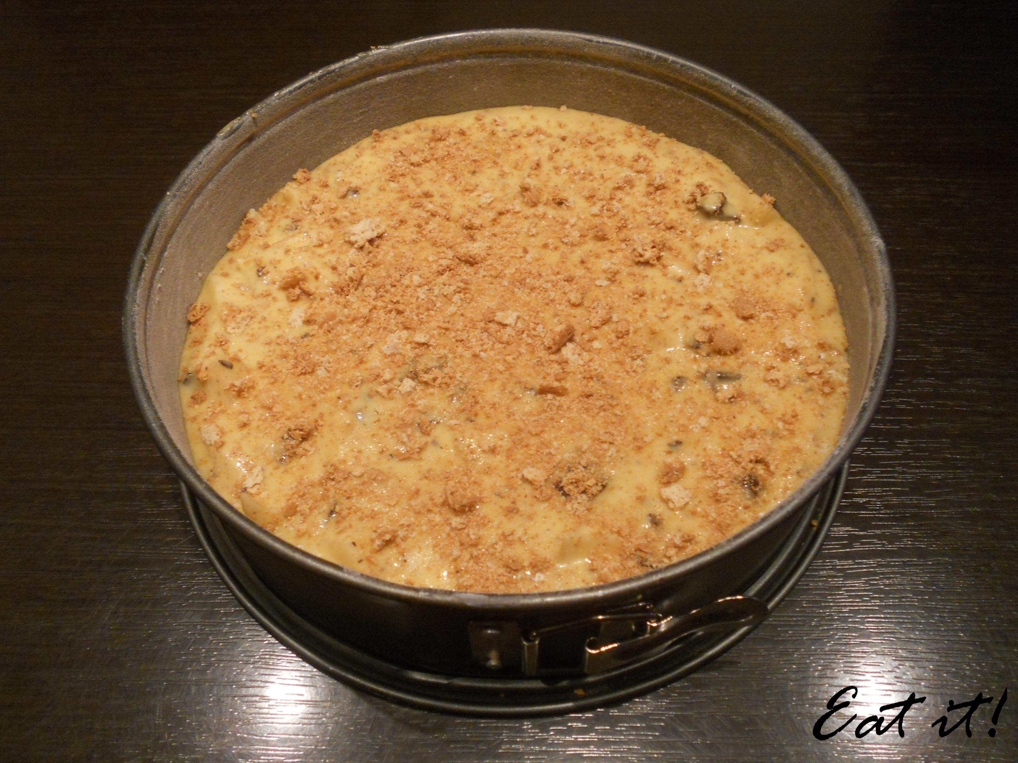 Torta pere, cioccolato e amaretti - Pronta per il forno