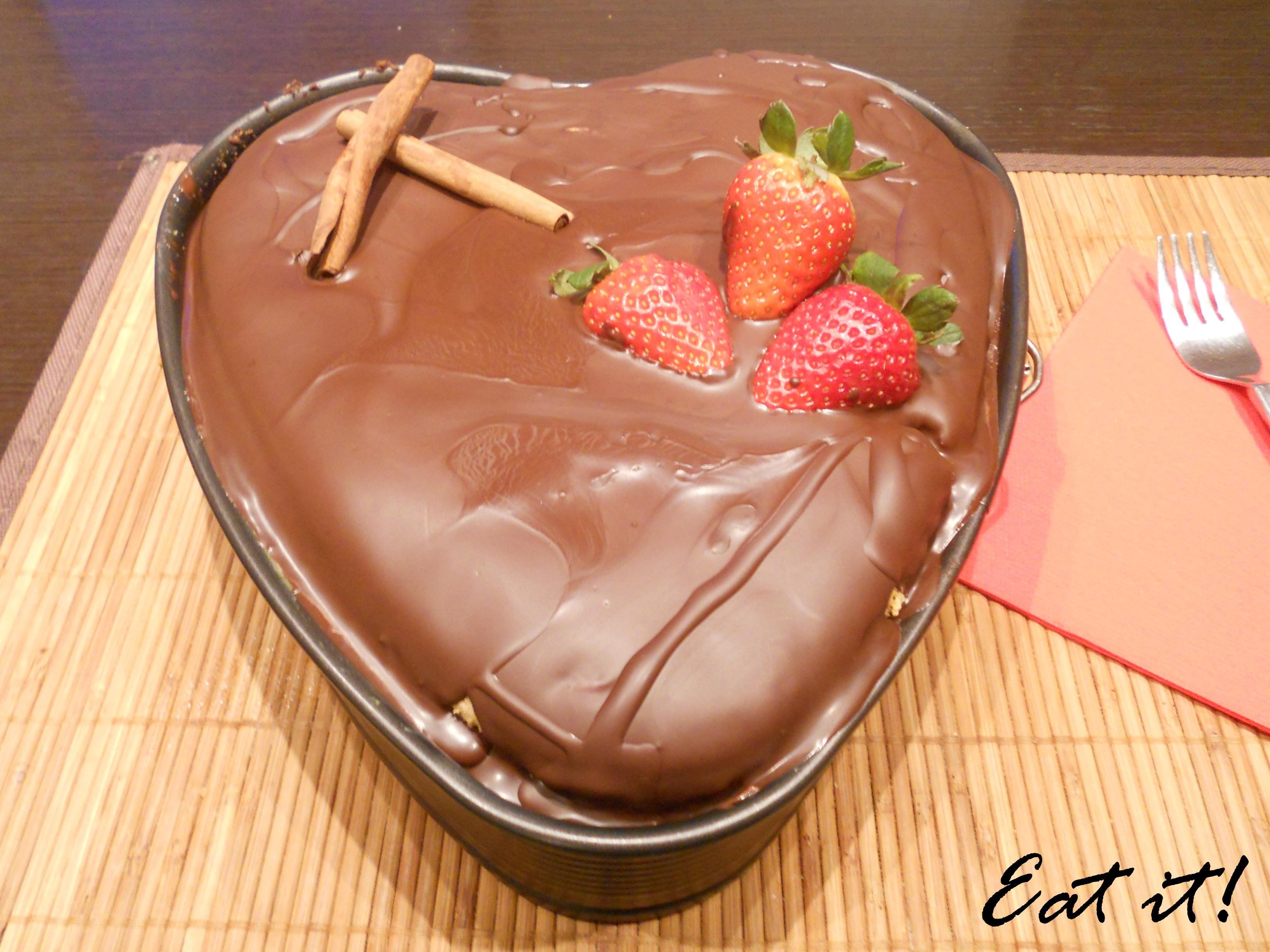 Copertura con cioccolato e decorazioni