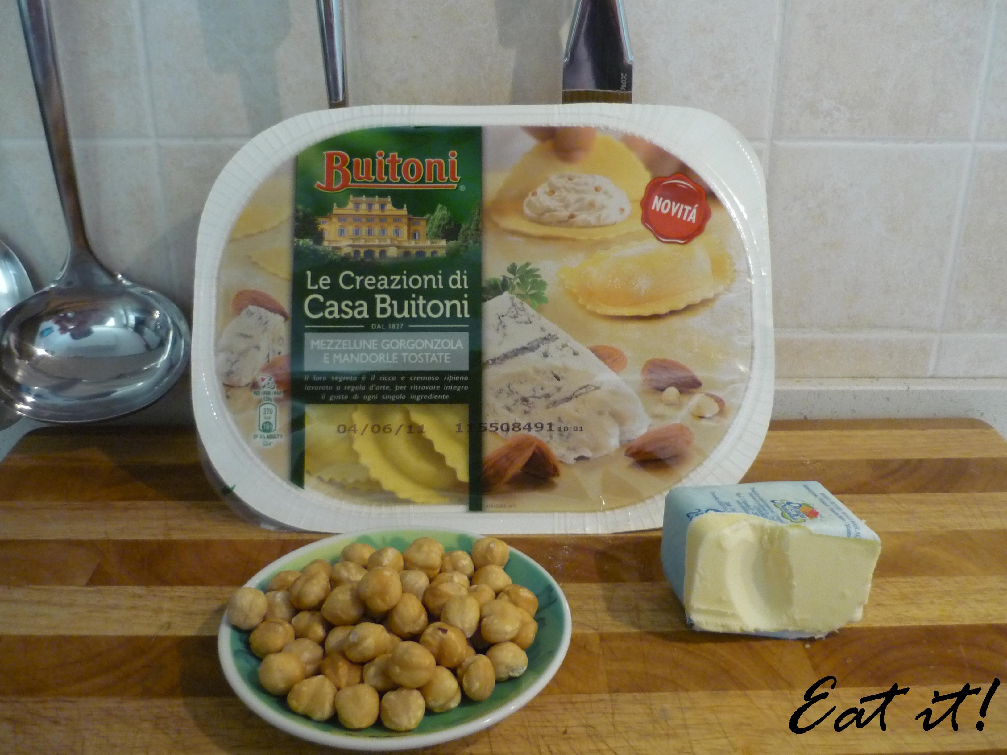 Mezzelune gorgonzola e mandorle tostate - Ingredienti