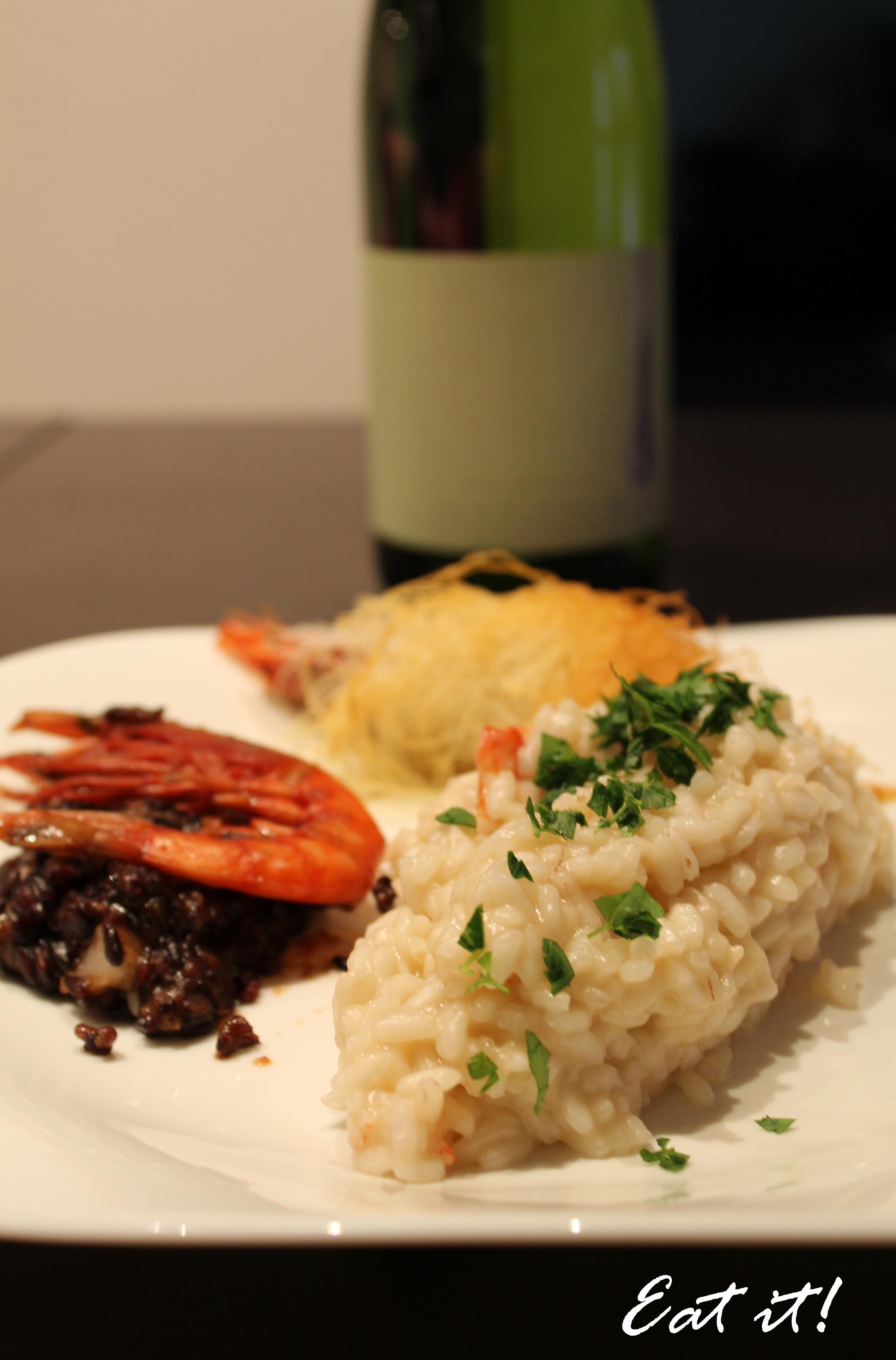 Yin e yang di riso e gamberi con involtini di kataifi