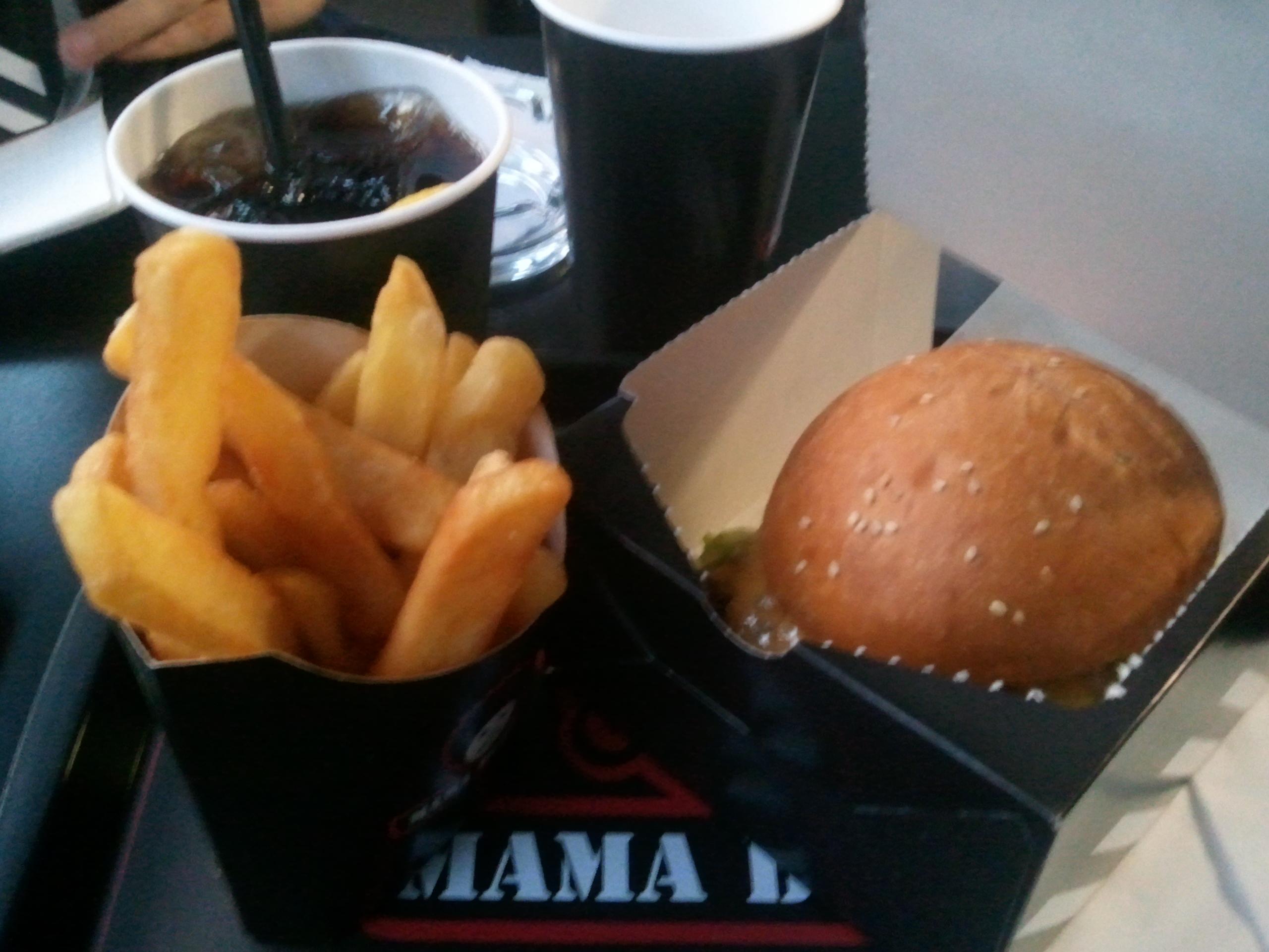 Combo Menu al Mama Burger