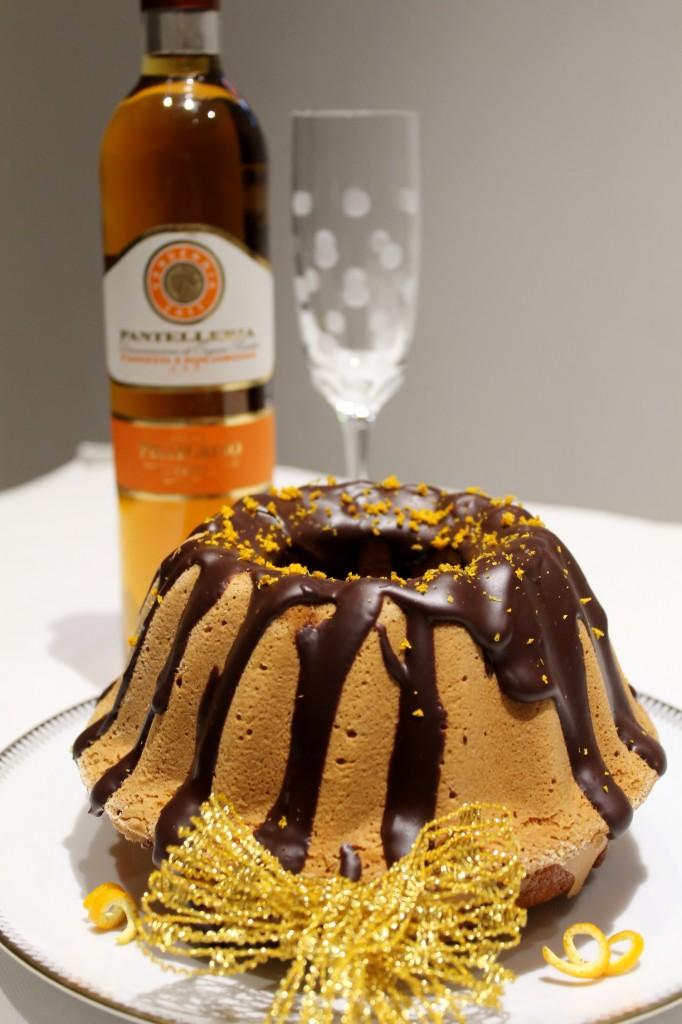 Ciambella all'arancia, cioccolato e caramello salato con Passito