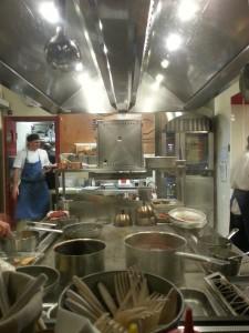 al Mercato - cucina vista dall'esterno