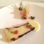 Cipollotto, fonduta di Roccaverano e composta di pesche