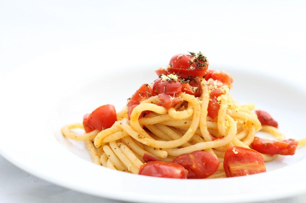 Spaghetti pomodorini, limone e basilico