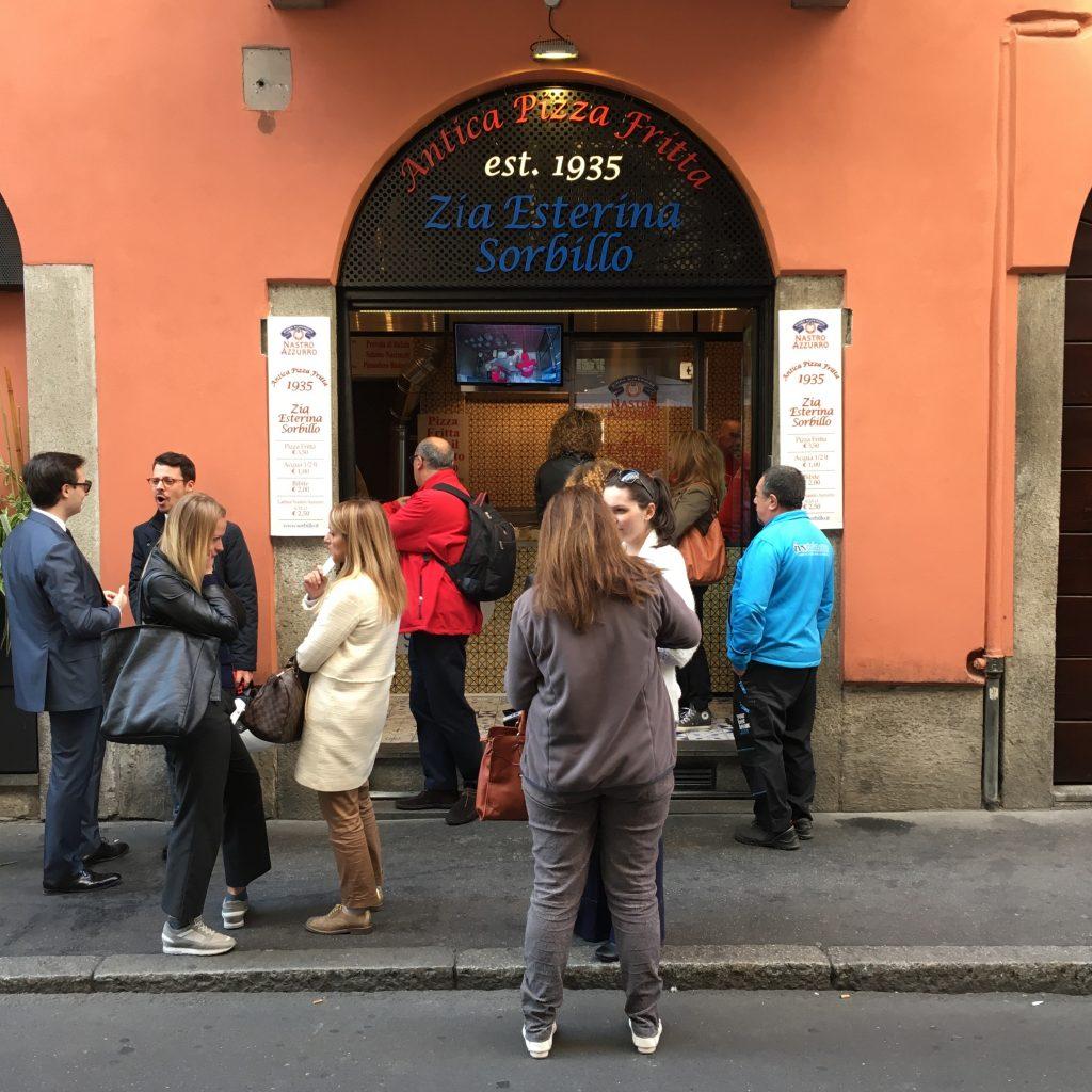 Esterno dell'Antica Pizza Fritta - Zia Esterina Sorbillo