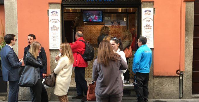 Zia Esterina: dove mangiare la vera pizza fritta napoletana a Milano