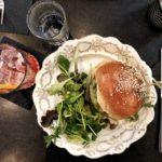 Cocktail e burger di gambero