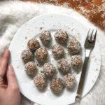 Dolcetti cocco e cacao raw vegan