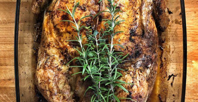 Tacchino ripieno di castagne e salsiccia