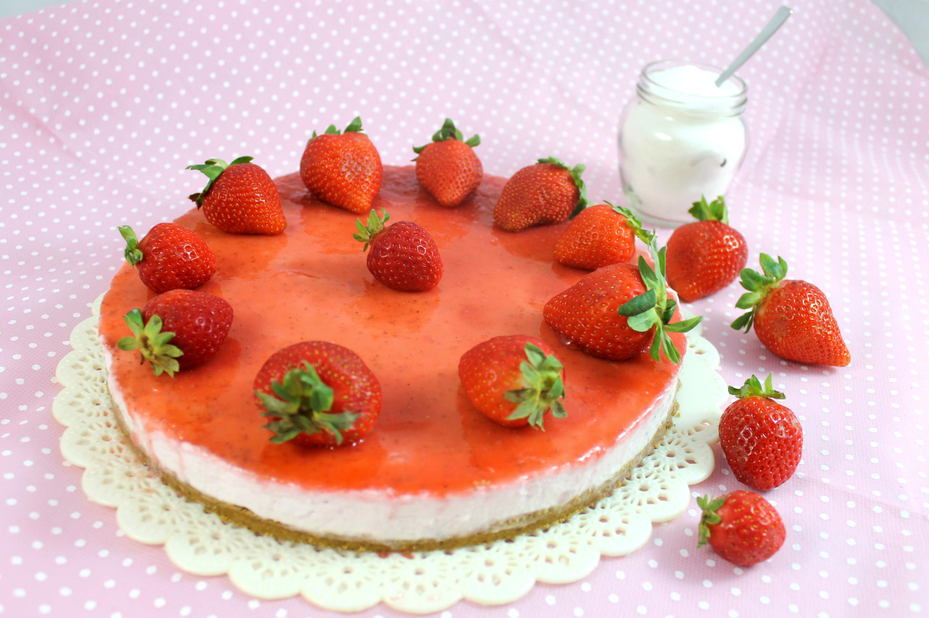 Torta mousse di fragole