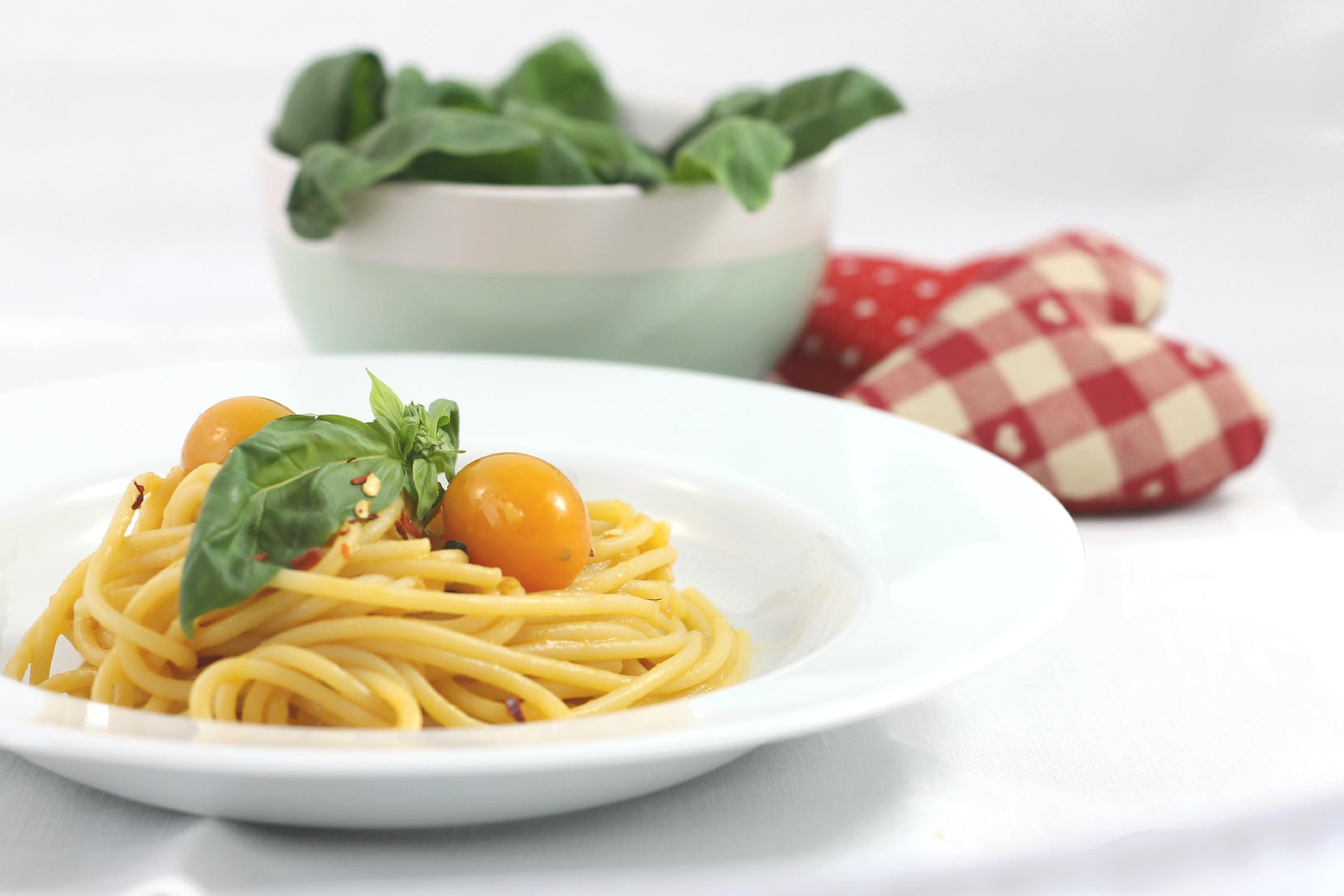 Capellini Al Forno Giada spaghetti piccanti pomodorini gialli e limone   eatitmilano